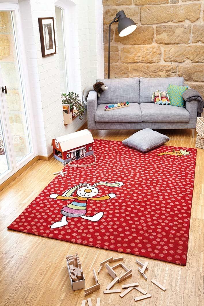 tapis rouge pour chambre d 39 enfant rainbow rabbit sigikid