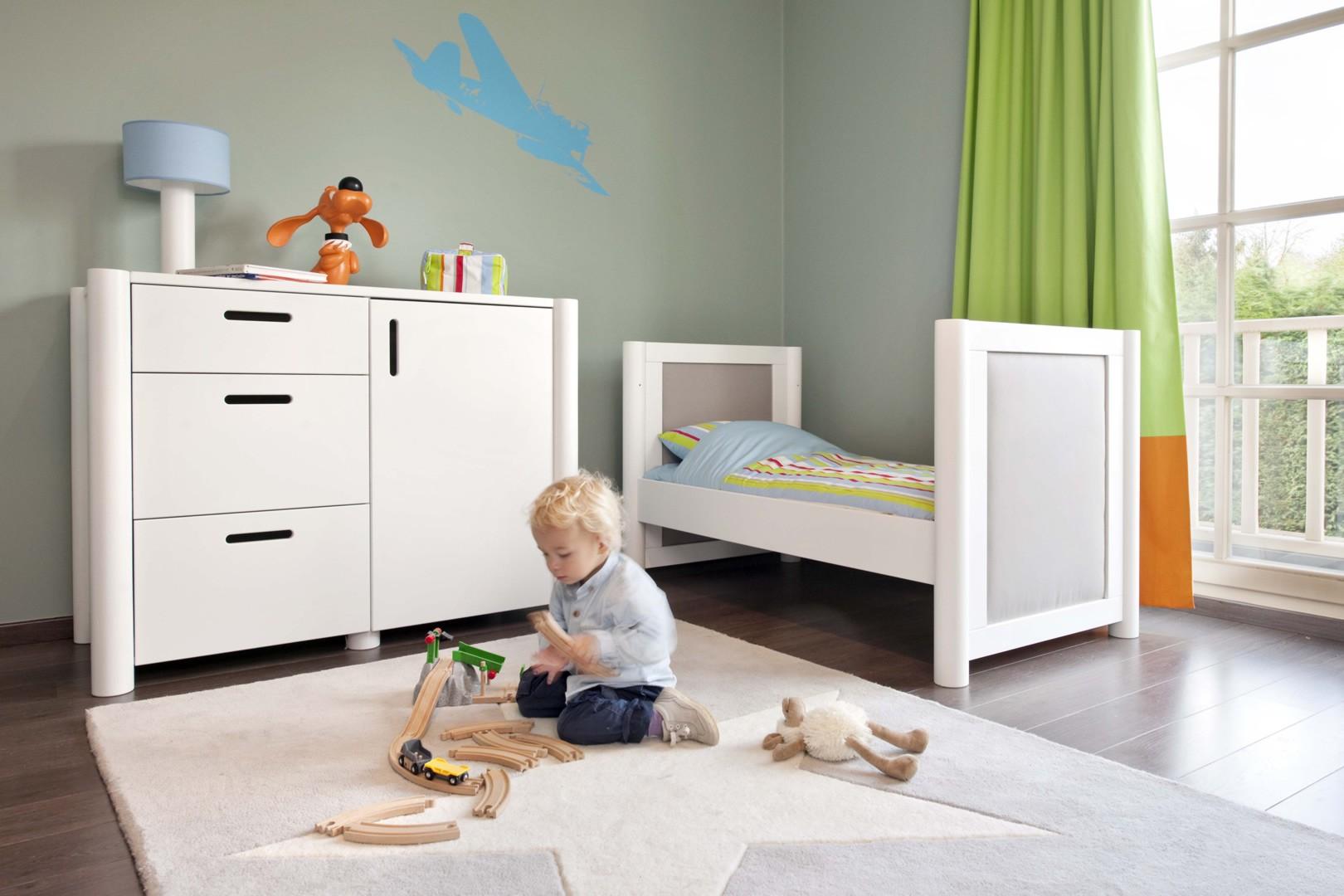 Tapis en laine pour chambre enfant wool star gris lorena - Tapis chambre gris ...