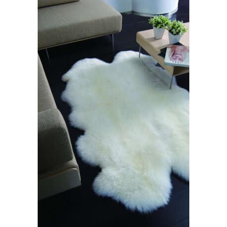 tapis avec 4 peaux de mouton assembl es ludde. Black Bedroom Furniture Sets. Home Design Ideas