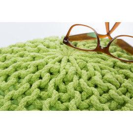 Pouf tricot en coton fait main vert pomme Ulysse
