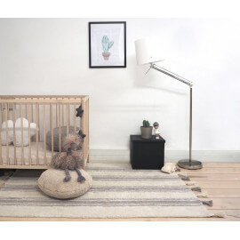 Tapis en coton naturel beige/gris clair avec pompons Stripes Lorena Canals
