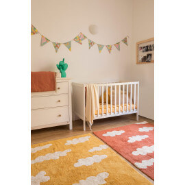 Tapis lavable en machine pour enfant terracota Clouds Lorena Canals