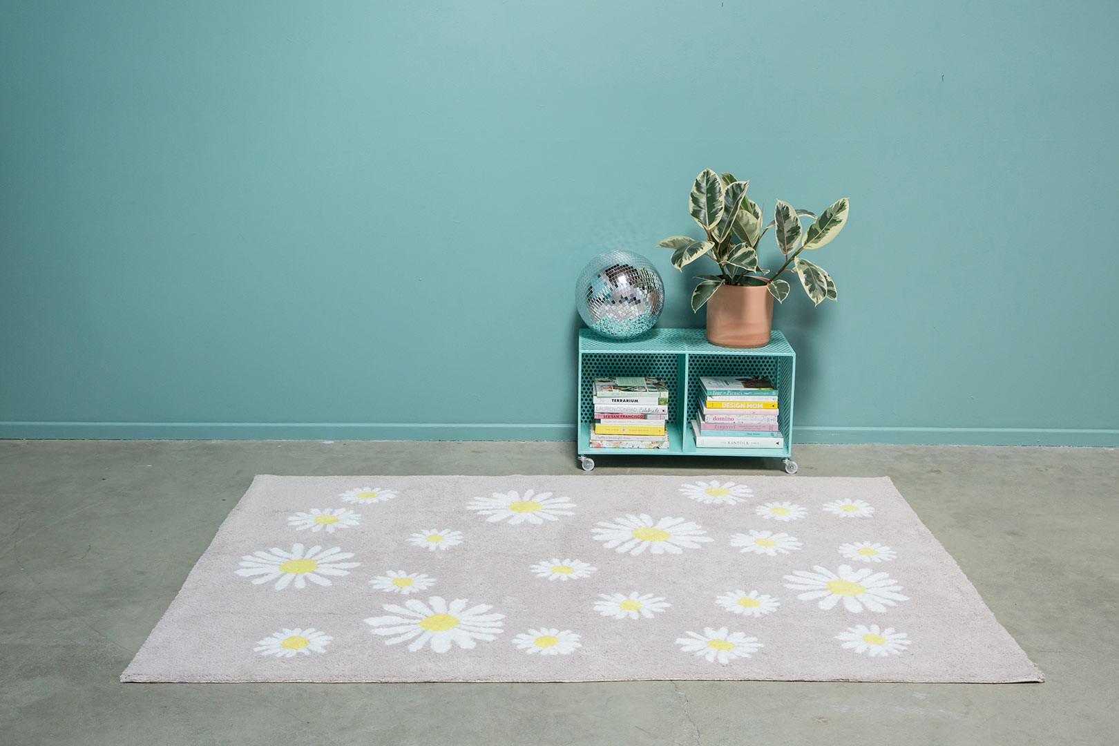 Tapis beige lavable en machine floral Oh Daisies Lorena Canals