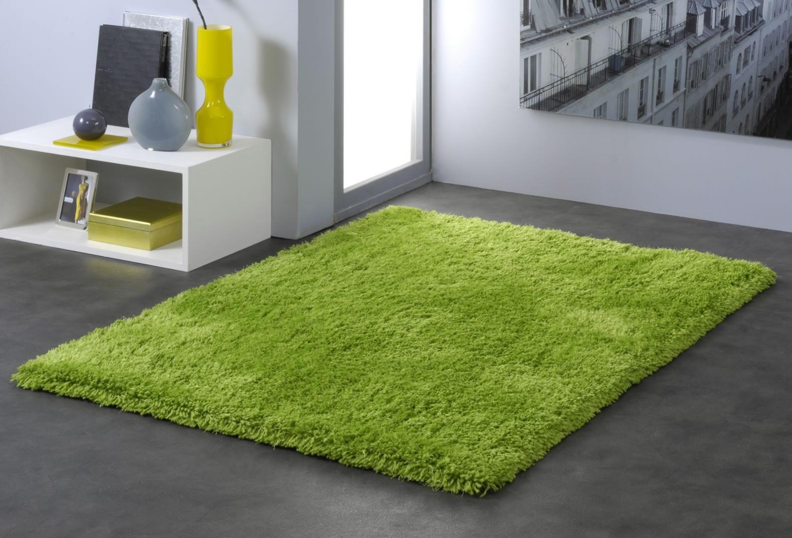 Tapis vert en polyester raven for Tapis chambre ikea