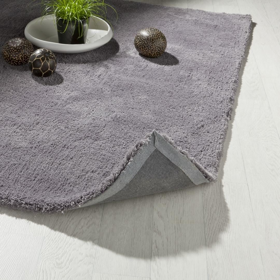 Tapis en polyester uni gris Cosy