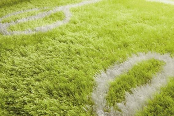 Tapis shaggy design vert fluo Soccer par Papilio