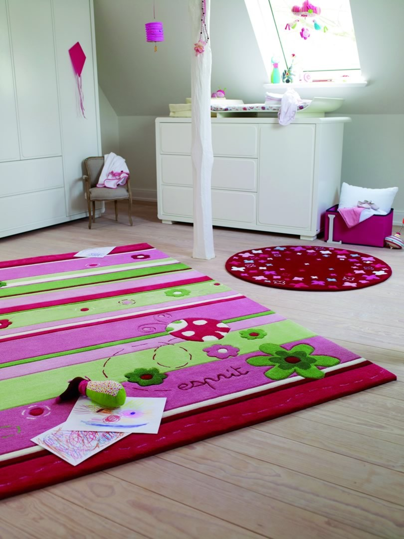 tapis design pour enfant ladybird par esprit home. Black Bedroom Furniture Sets. Home Design Ideas