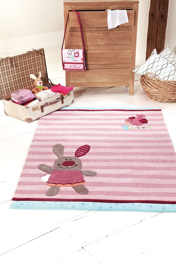 Amazing tapis rose pour chambre enfant happy friends stripes sigikid with tapis fille rose