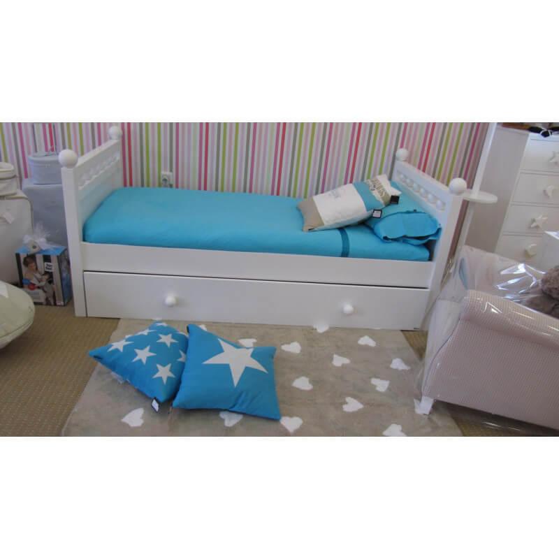 tapis beige pour chambre de fille heart lorena canals. Black Bedroom Furniture Sets. Home Design Ideas