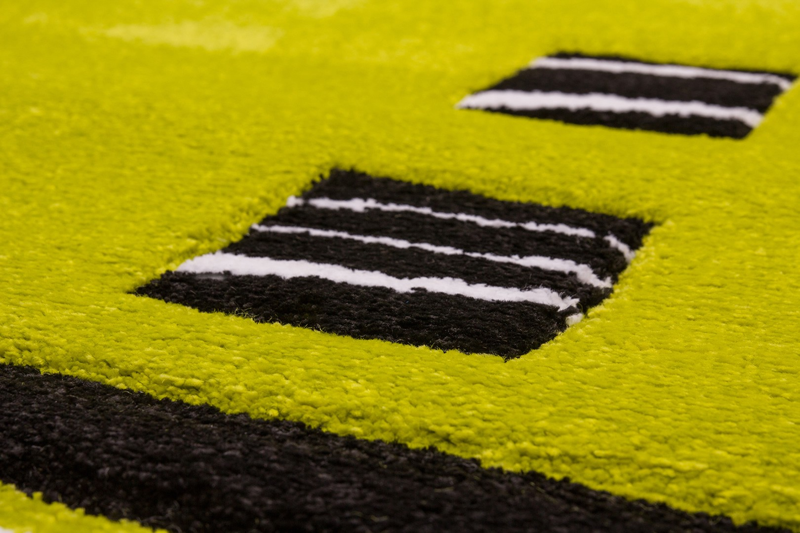 Tapis design rectangulaire noir et vert Dream