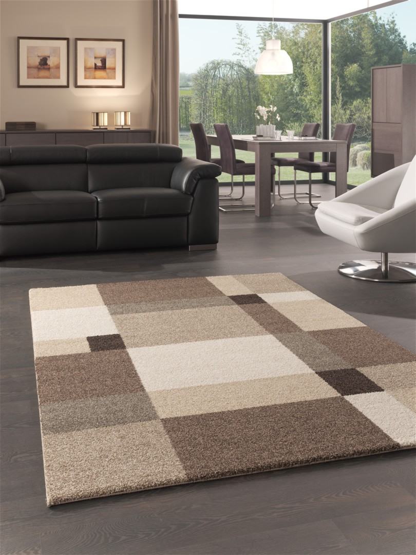 Tapis motifs carr s pour salon beige silicon valley for Tapis pour salon