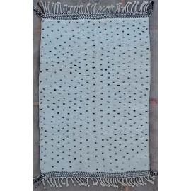 Tapis beni ouarain blanc en laine épaisse 235x155 Anouch