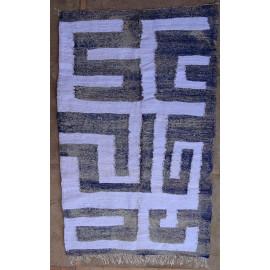 Tapis berbère blanc kilim coton et tissus recyclés Ilyana