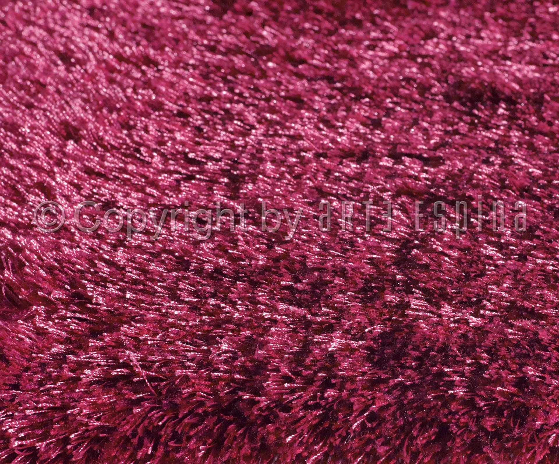 zoom sur le tapis shaggy le blog allotapis. Black Bedroom Furniture Sets. Home Design Ideas